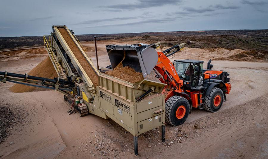 The ZW330-6 is ideal for a wide range of applications and environments, from high volume material production to stockpiling to site excavation and development.