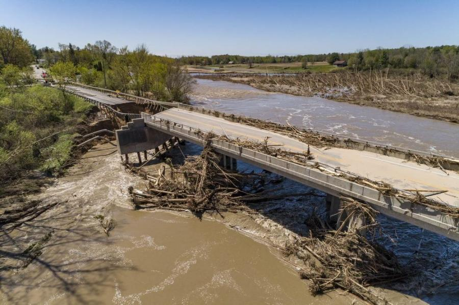 Debris removal at M-30 over the Tittabawassee River began June 29, and will allow crews to begin necessary repairs of the existing bridge piers currently blocked by trees and other debris.