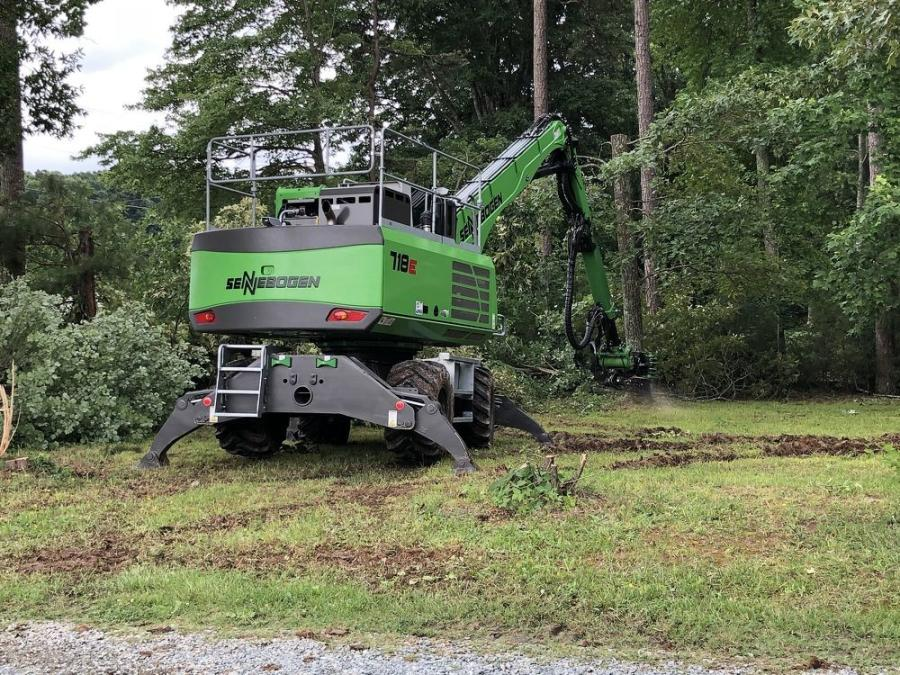 The Sennebogen rubber-tired 718 M is a 47,180-lb. (21,400 kg) purpose-built tree care machine equipped with a hydraulic tree saw and grapple attached to its 43-ft. (13 m) telescoping boom.