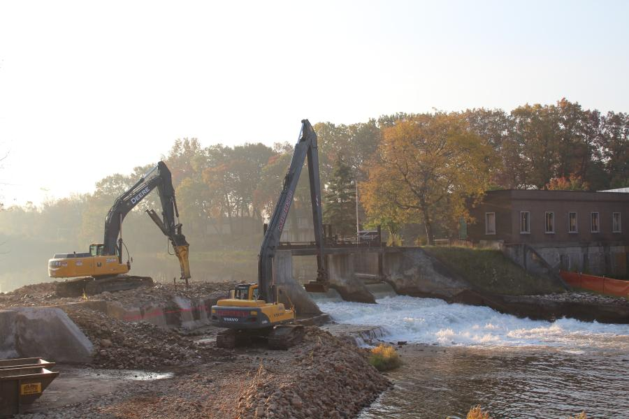 Michels Corporation performed work on a similar project on the Kalamazoo River in Ceresco, Mich. (Michels Corporation photo)