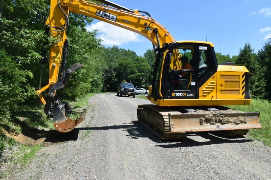 The first JCB 150X Tier IV Final excavator delivered in North America is now being put through its paces in the town of Plymouth, N.Y.