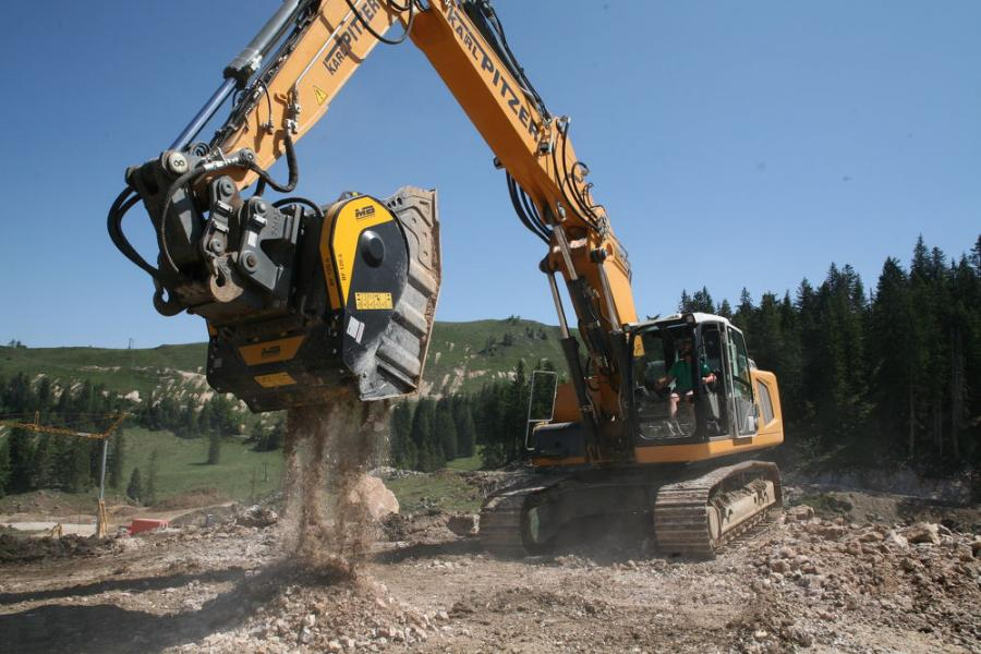 In Austria, a BF120.4 crusher bucket followed the ski slopes' route, while crushing limestone and using it as base material.