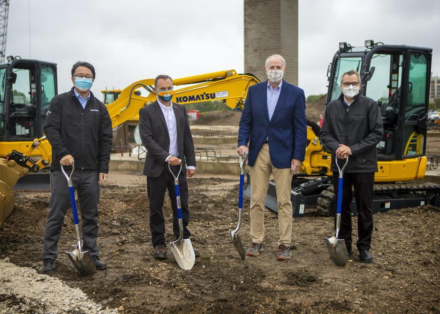 (L-R): Korekiyo (Kody) Yanagisawa, COO, Komatsu Mining; John Koetz, president, surface mining, Komatsu; Milwaukee Mayor Tom Barrett; and Jeff Dawes, CEO Komatsu Mining prepare to make the ceremonial first dig.