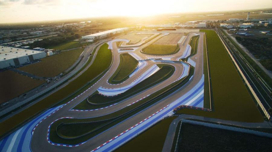 The Concours Club speedway is more than  2 mi. of road course built with multiple configurations. The course is not banked, so amateur drivers can test their skills and their vehicles.