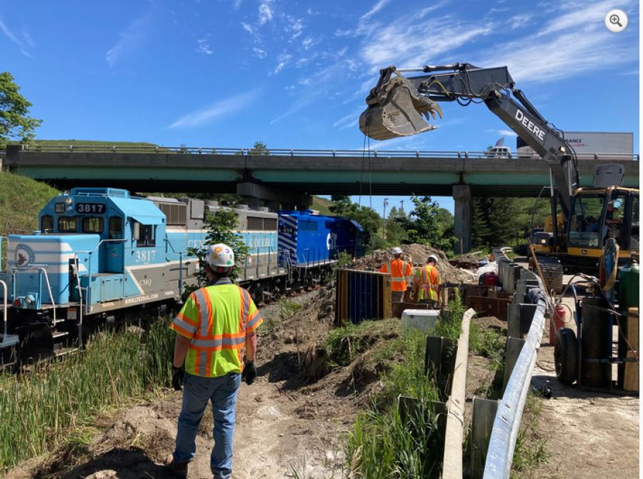 In 2020, temporary diversion roadways and bridges have been constructed in the median of I-95 to maintain two travel lanes in each direction throughout much of the project. (MaineDOT photo)