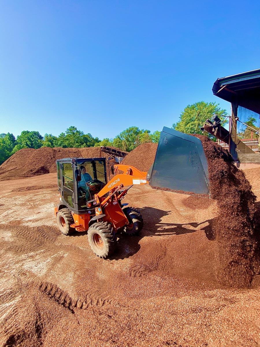 The ZW30 features an even half cubic yard bucket, making it ideal for landscape supply operations, nurseries and other applications calling for precise measurements.