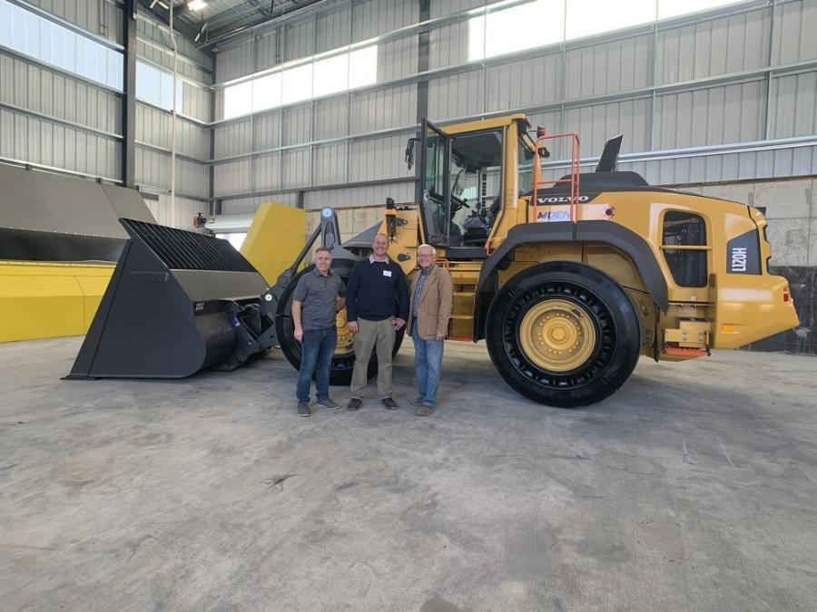 (L-R): Dale Ipema, Jay Ipema and Don Ipema, owners of the new Moen Transfer, as well as this new Volvo L120H wheel loader, purchased from Alta Equipment.