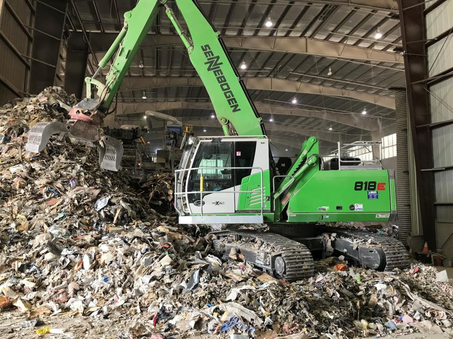 The reach on the machine allows operators to move in for a closer look, allowing them to efficiently sort and work the pile.