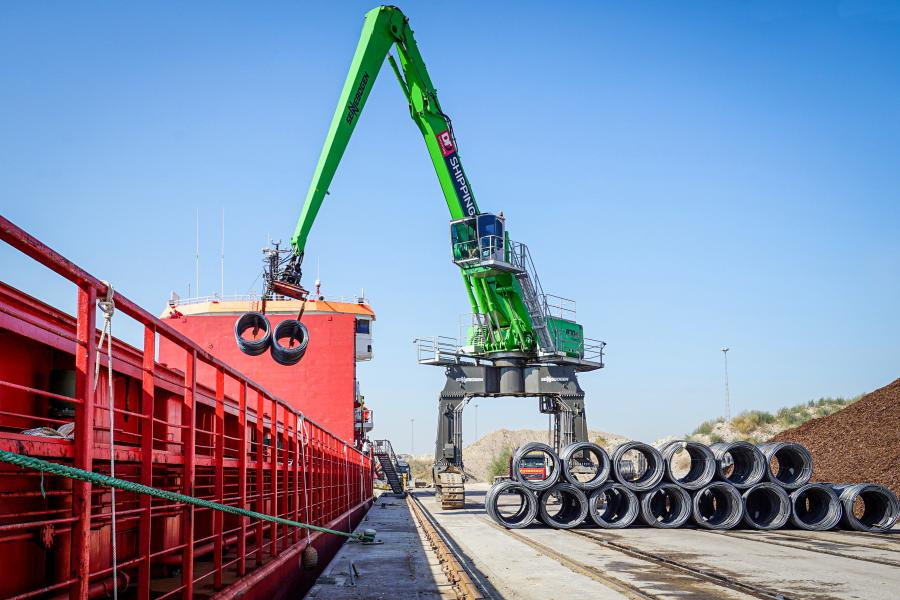 The Sennebogen 870 can unload up to 160 steel wire coils per hour, getting ships out faster.