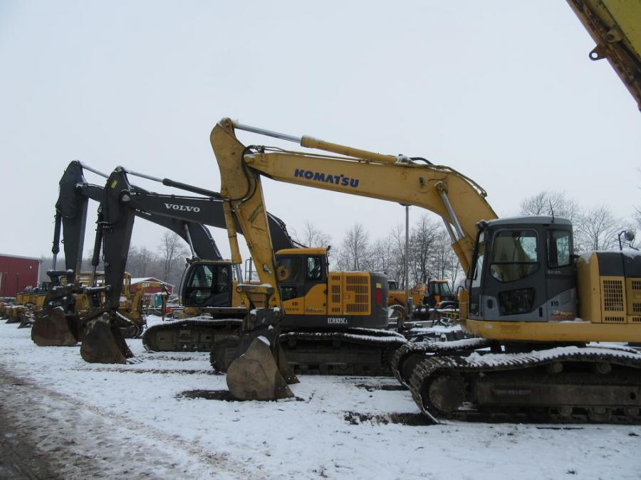 There was a nice selection of excavators available to bidders at Yoder & Frey's Norwalk, Ohio, sale.