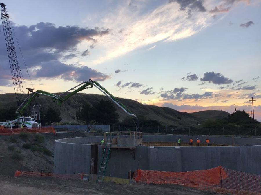Clearwater Construction builds new secondary clarifier trough walls on the $34 million wastewater job in Lewiston, Idaho.
