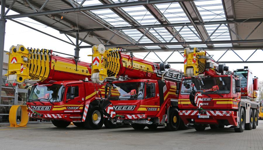 Neeb's new Grove GMK6300L-1, GMK4100L-1 and GMK3060L during the handover in Wilhelmshaven.