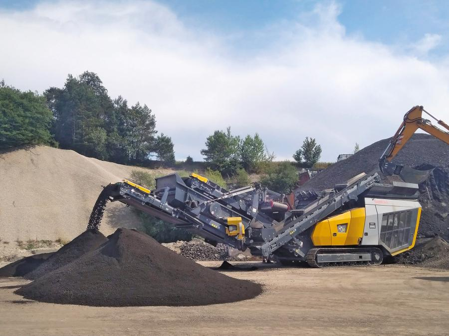 Keestrack R3e mobile impact crusher for aggregates and recycling applications with advanced innovative diesel/electric drive with plug-in functionality.