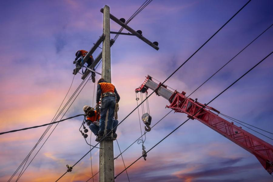 Crew members working around power lines should have a thorough understanding of the pertinent OSHA regulations. The agency requires special precautions be taken when assembling/disassembling, operating and/or traveling with a crane near power lines.