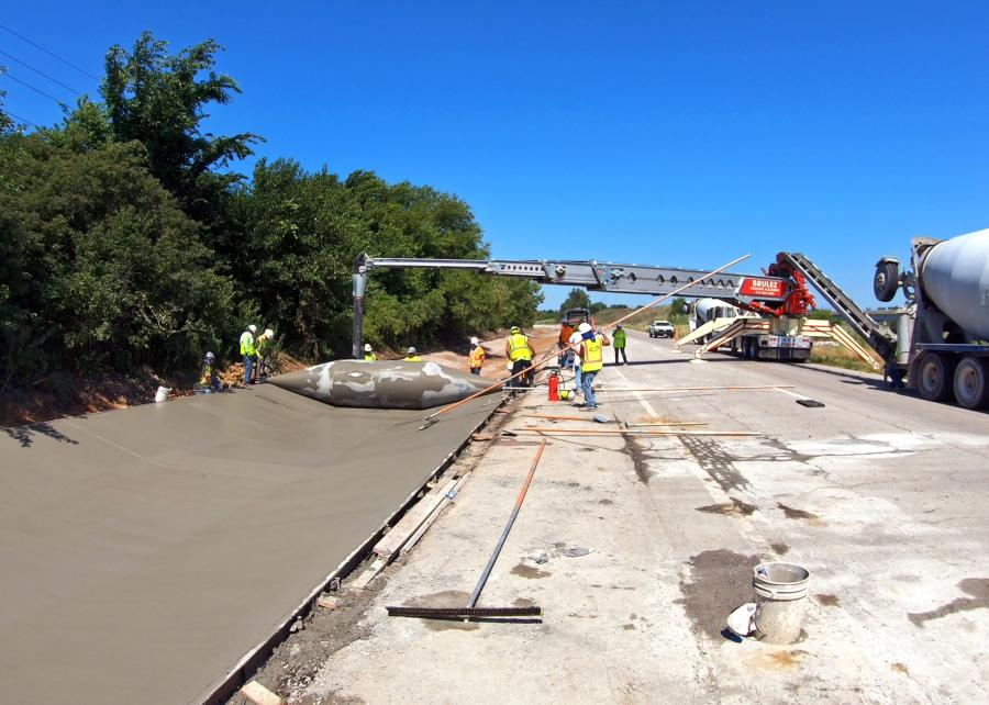 Curb Roller Manufacturing created a 24-ft.-wide custom drum to complete a Missouri ditch liner project. Realm Construction poured 400 to 450 linear ft. of concrete a day and finished the project more than one week ahead of schedule.