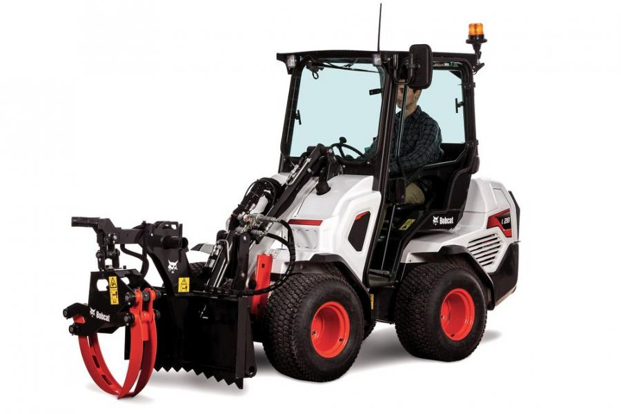 The log grapple comes equipped with heavy-duty teeth and reinforced tines, providing outstanding grip when managing unwieldy logs and brush. Rope bollards provide an additional anchor point, assisting with stability while at work.