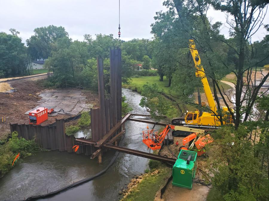 An environmentally sensitive and time-restricted project called for reconstruction of a river embankment and relaying of a gas line with minimal disturbance.