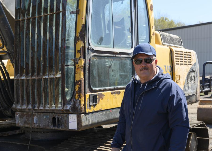 Andre Pchelka tests out a 2006 Volvo EC210BLC hydraulic excavator.