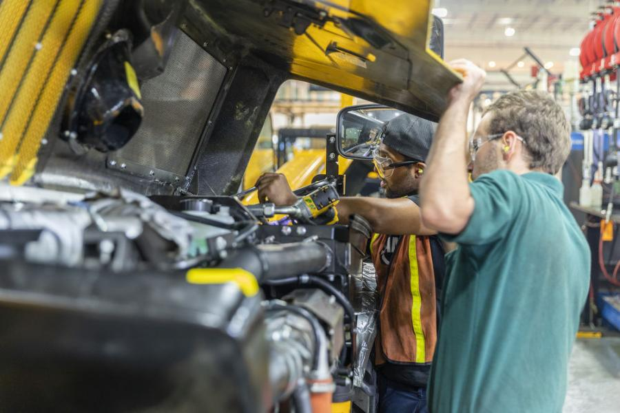 JCB is looking for talented and ambitious team members who have achieved or are currently pursuing their diesel mechanic certificate to join its diesel mechanic apprenticeship program.