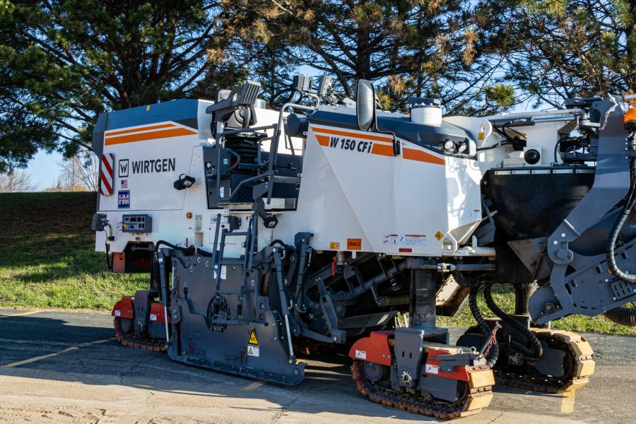 Trainees were able to see Wirtgen's W 150 CFi cold planer up close at MAPA's inaugural training event.