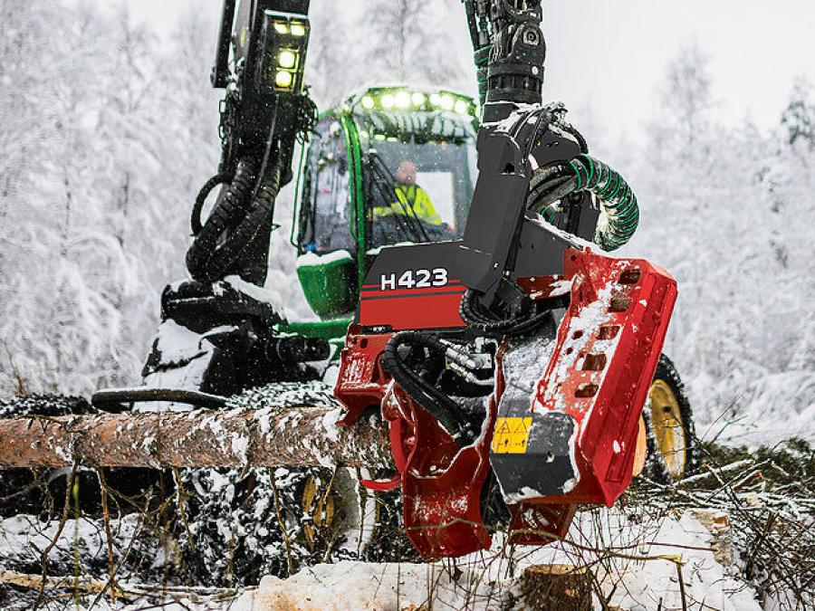 With multi-tree-handling qualities, a compact frame design and excellent power-to-weight ratio, the H423 masters fast and precise felling and crosscutting, according to the manufacturer.