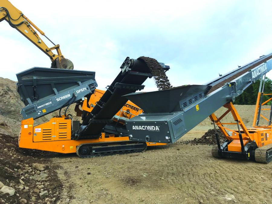 The Anaconda DF514 tracked screen and a TR75 tracked conveyor makes -2-in. gravel and oversize.