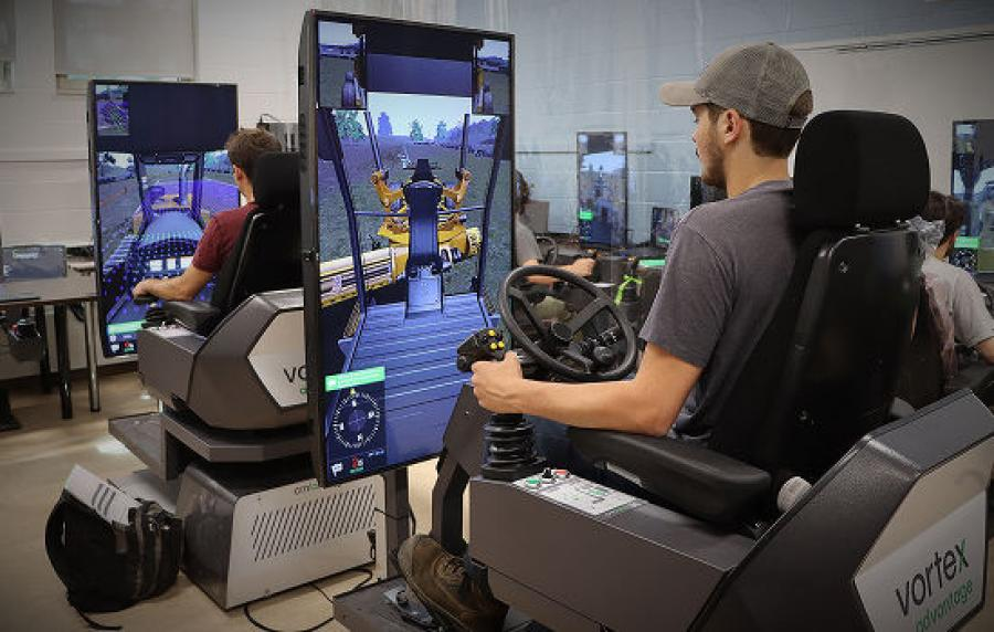 Students at the Mont-Laurier vocational school training on heavy equipment with CM Labs' Vortex Simulators.