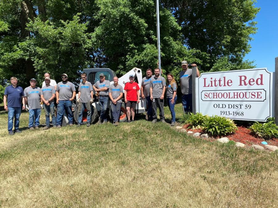 Over the course of the service days held this year, more than 260 Doosan Bobcat employees in North America volunteered in the community efforts, supporting nearly 30 nonprofit organizations.