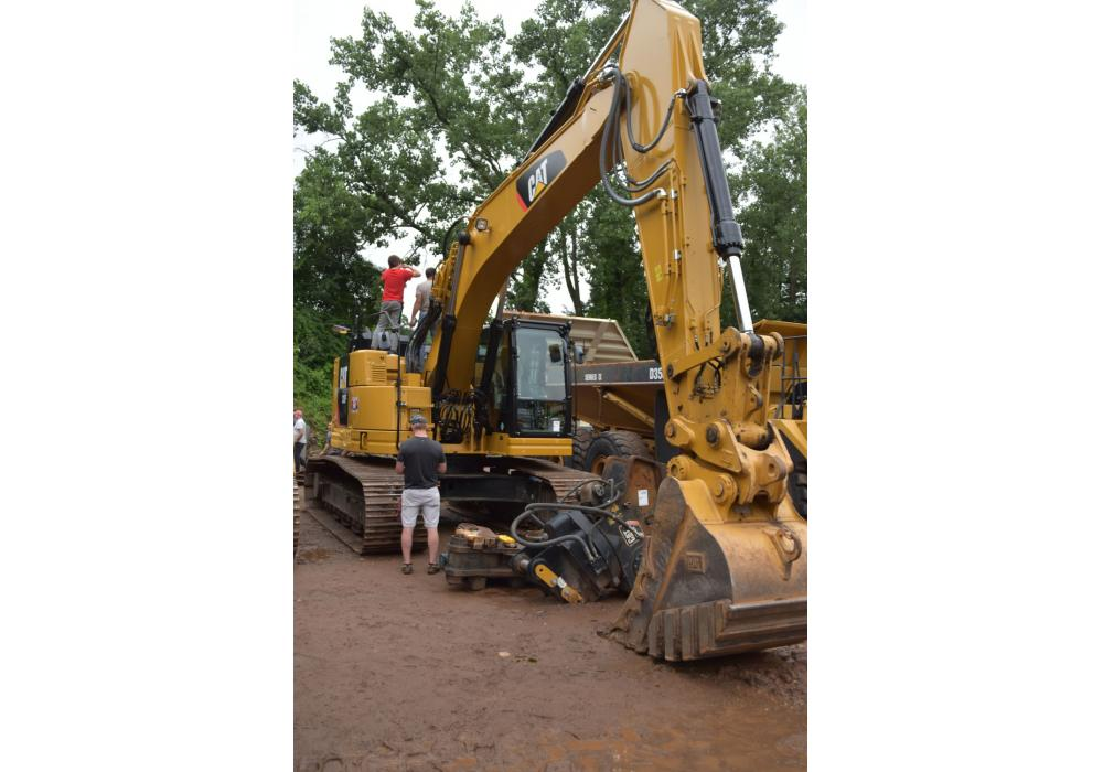 This Cat 335F with only 1,000 hours brought in $250,000.