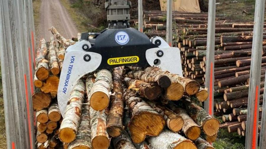 The new FG53S-V timber grapple is available for cranes in the EPSOULTION and NEXT EPSOLUTION series.