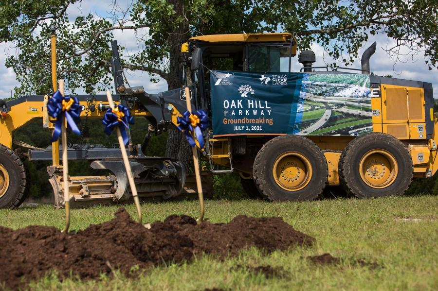 The joint venture of Fluor Construction and Balfour Beatty recently broke ground on the Oak Hill Parkway Project, a $674 million endevour that has been in the works for more than 30 years, on July 1, 2021. (Oak Hill Parkway photo)