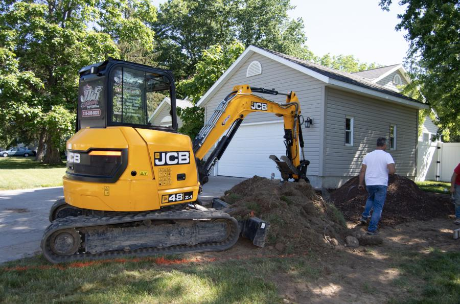 The latest addition to the D & S Landscaping of Central New York fleet: a JCB 48Z-1 equipped with an excavating bucket.