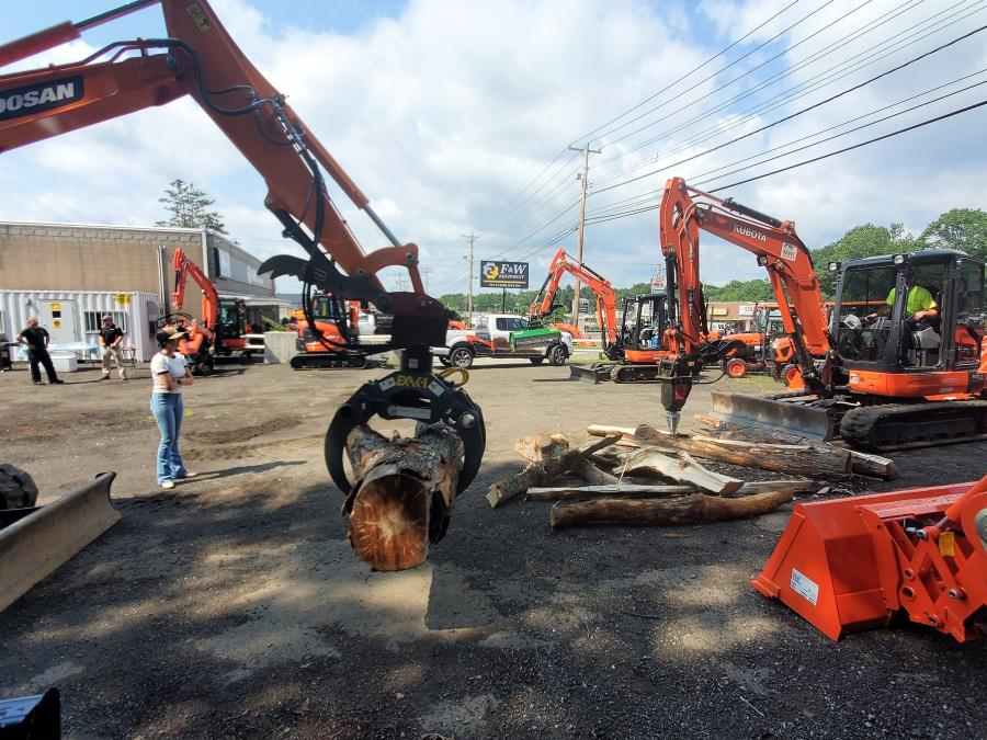 Ransome Attachments held a demonstration at F&W Equipment Corporation in Connecticut on July 28, 2021.