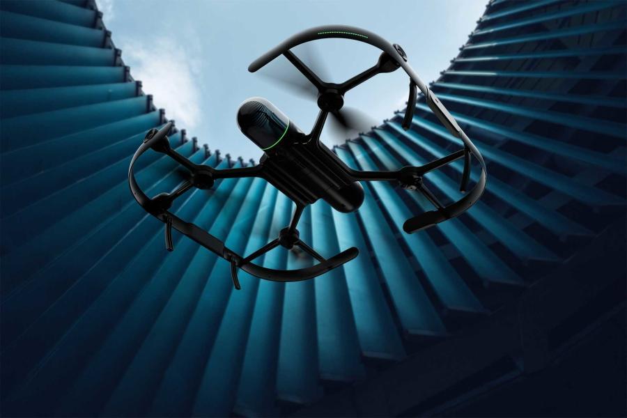 BLK2FLY是一个自主UAV激光扫描传感器。用户设置飞行路径,点击其平板电脑,它飞过才能准确扫描和捕获区域或建筑物的尺寸。