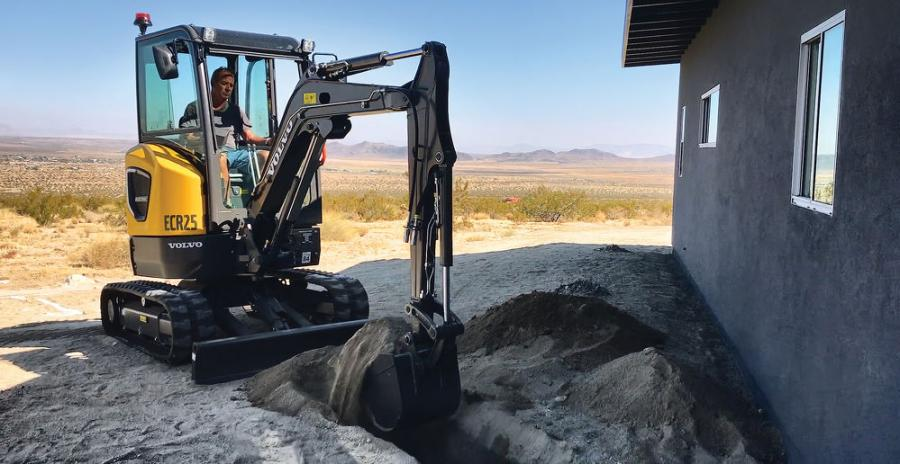 The ECR25 Electric excavator has the exact same digging depth, dump height, break out and tear out forces and dimensions as its diesel equivalent.