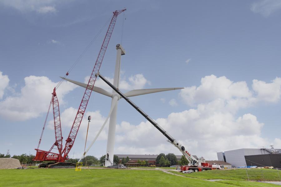 ALL specified two cranes for the work, a 660-ton Manitowoc 18000 lattice boom crawler crane and a 275-ton Liebherr LTM 1230-5.1 all-terrain crane.
