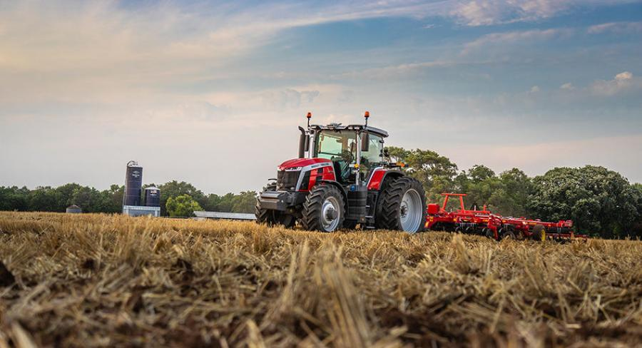 The 8S tractor offers efficiency through smart design and highly advanced technology.