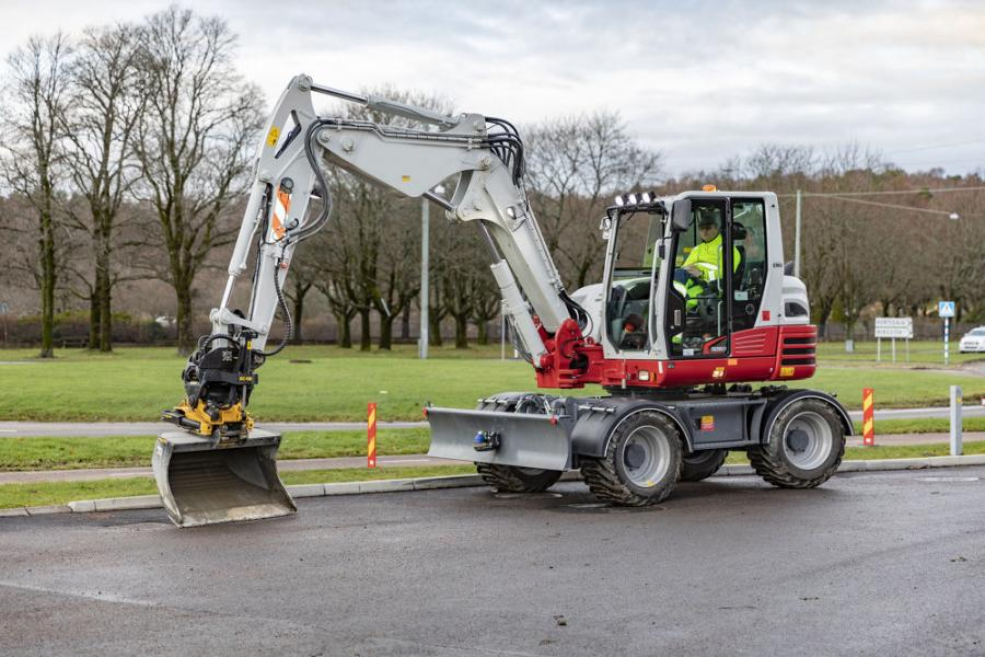 The Engcon Ready option for the TB295W is the result of a collaboration between Engcon and Takeuchi to enable plug and play installations, reducing the installation times for Engcon products.