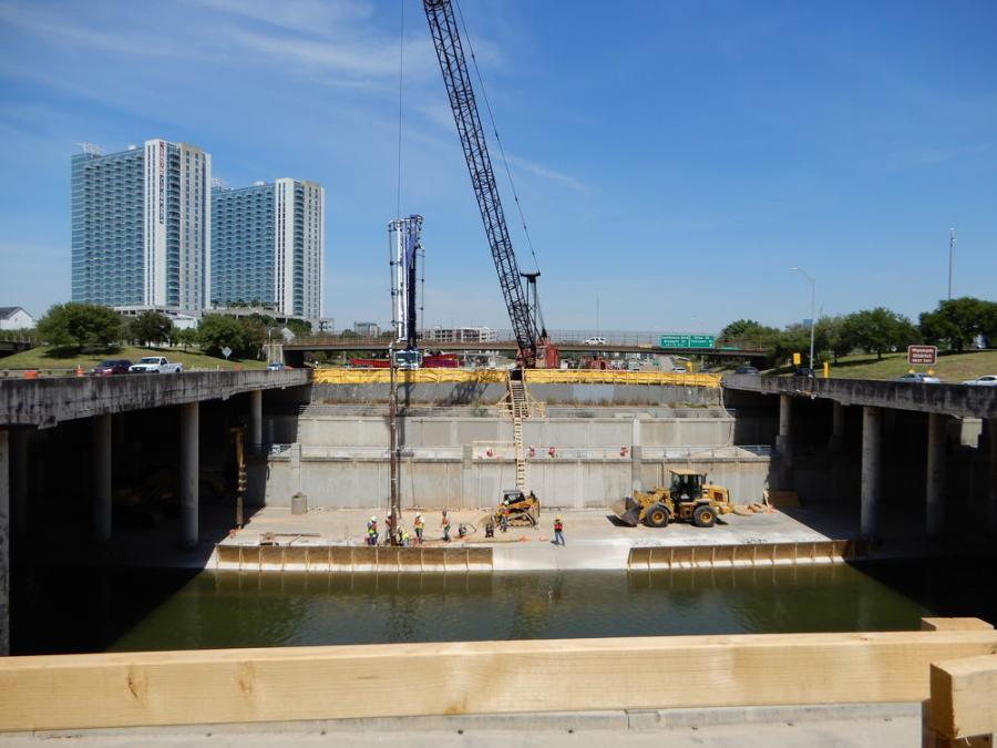 Almeda-Genoa Constructors, a joint venture of Dragados USA, Pulice Construction and Shikun & Binui America, is the lead contractor on the Drive 288 Project, which will rebuild portions of SH 288 in Houston.