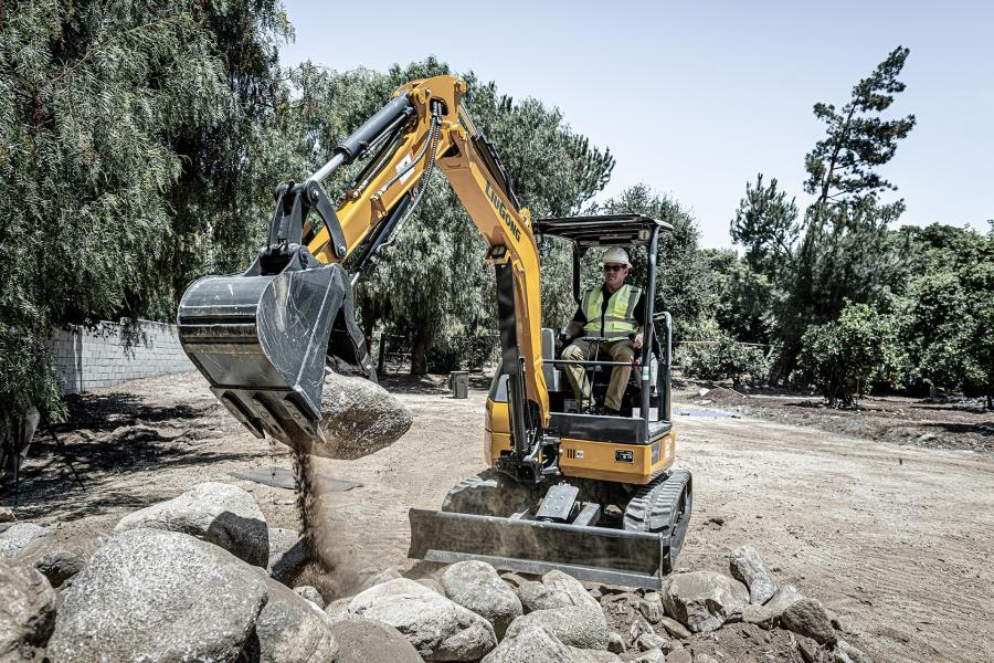 The 9027F ZTS's applications range from digging and trenching for residential and commercial construction to landscaping applications like grading, trenching and fencing.